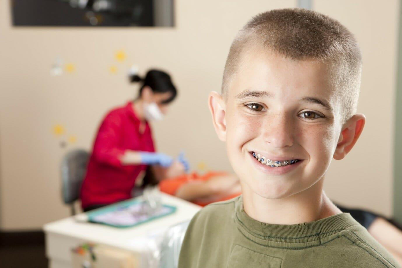 بهترین زمان برای انجام درمان ارتودنسی